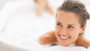 Exfoliar la piel: beneficios de la esponja de baño