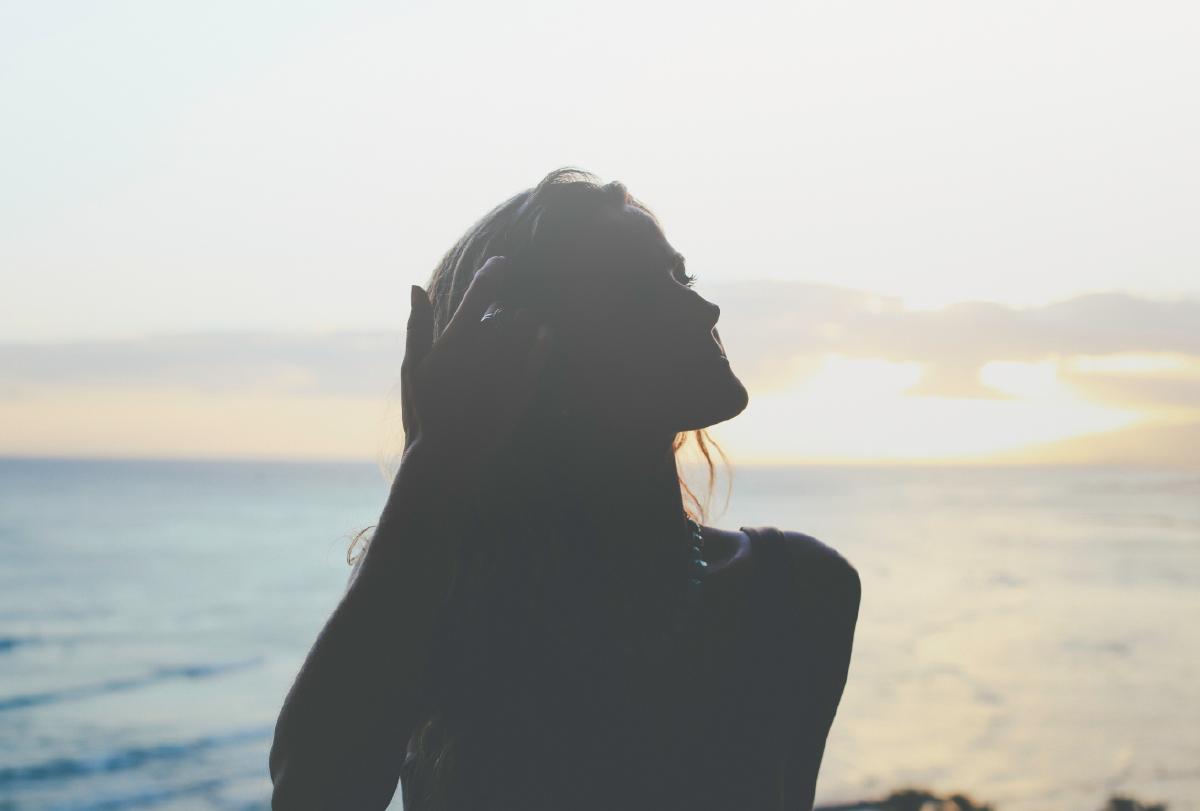 5 consejos para mejorar tu rutina de belleza veraniega