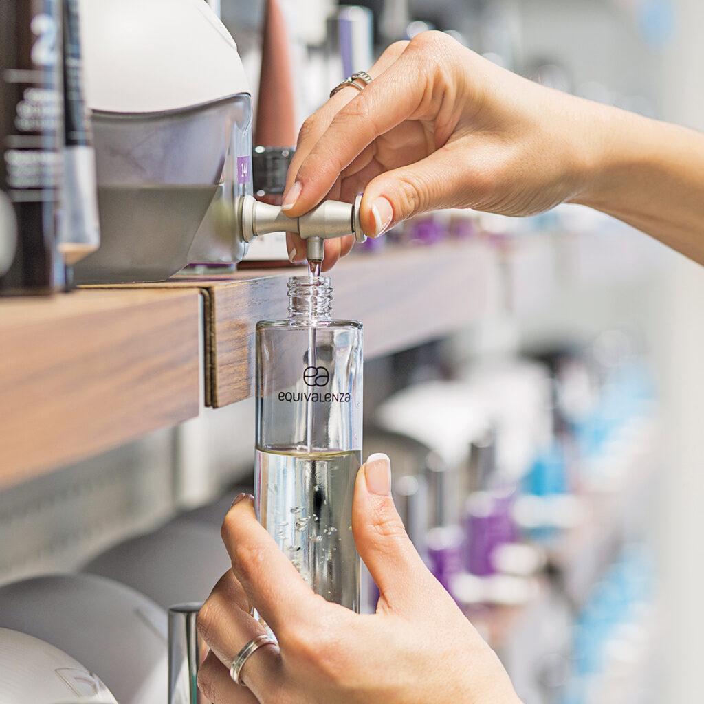 equivalenza-compra-a-granel-reutilizar-envases-perfumes-ambientadores-dia-mundial-medioambiente